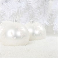 white christmas baubles 187316